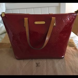 Louis Vuitton Bellevue PM Red Vernis Tote Bag ZIP